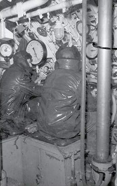 U 333 planesman station German Submarines, Are You Scared, German Army, Battleship, Ww2, World War, Boats, Ships, Painting