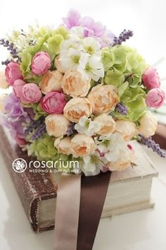 ロザリウム(Rosarium) 野の花を束ねたようなアーティフィシャルフラワーブーケ Flower Bouqet, Pastel Bouquet, Beautiful Bouquet Of Flowers, Bridal Flowers, Flower Bouquet Wedding, Floral Wedding, Bridal Bouquets, Book Flowers, Bridesmaid Flowers