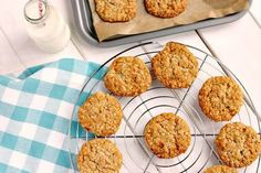 An easy and quick egg free golden syrup and oat cookie recipe. Oat Biscuit Recipe, Oat Cookie Recipe, Easy Cookie Recipes, Easter Recipes, Diabetic Recipes, Vegan Recipes, Peanut Butter Flapjacks, Peanut Butter Banana, Basic Cookies