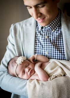 In Home Newborn Photography boy lifestyle session with natural light #athome #naturallight #withparents #newbornsession
