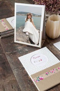 La comunión de Nuria, taupe rosa y dorado | by Imaginaran Ideas Scrapbook, Pop Up, Place Cards, Polaroid Film, Place Card Holders, Frame, Party, Scrapbooking, Ideas