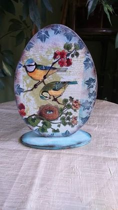 Diy And Crafts, Arts And Crafts, Egg Art, Photo Craft, Easter Crafts, Easter Eggs, Decoupage, Decorative Plates, Porcelain