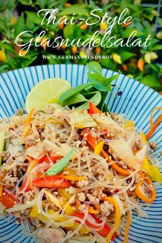 Friday Night Dinner Date: Thai-Style Glasnudelsalat Japchae, Friday Night Dinners, Chili, Date Dinner, Thai Style, Yummy Food, Yummy Recipes, Cooking, Ethnic Recipes