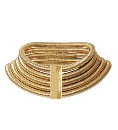 Un collier doré