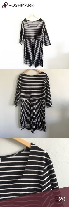 """Old Navy Striped Knit Black & White Stripe Dress Gently pre-loved with no rips or stains. Please see all pictures for an accurate description of condition. 73% polyester, 24% rayon, 3% spandex. Chest: 42"""". Length: 40"""". Old Navy Dresses Midi"""