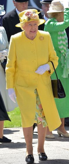 June Queen Elizabeth II arrives at Epsom Downs Racecourse on Derby Day of The Investec Derby Festival Royal Uk, Royal Queen, Commonwealth, Britain Uk, Isabel Ii, Derby Day, Queen Dress, Prince Phillip, Queen Of England