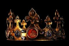 Medieval Crown, Amiens Cathedral, France (14th c.; gold, semi-precious gemstones). Royal Crowns, Crown Royal, Tiaras And Crowns, Medieval Jewelry, Ancient Jewelry, Round The World Trip, Royal Jewelry, Unique Jewelry, Family Jewels