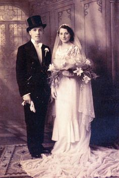 Blanche Annette Rosenberg (1913-1992) and Gerald Pearlman (1912-1986), on their wedding day, at Princes Road Synagogue, Liverpool, on 14 August 1935.