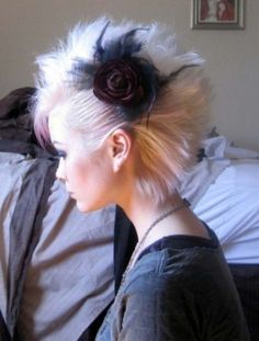 formal faux hawk, will do someday Bobby Pin Hairstyles, Pretty Hairstyles, Wedding Hairstyles, Braided Hairstyles, Headband Hairstyles, Faux Hawk, Female Mohawk, Lady Mohawk, Punk Mohawk