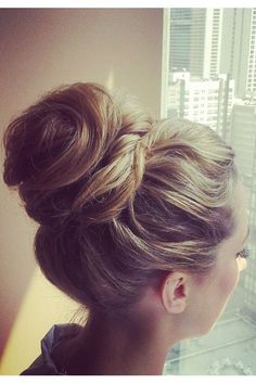 15 Top Knot Hairstyles from Pinterest | Daily Makeover#slide1#slide1