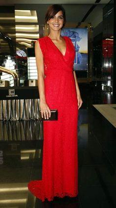 Vogue Portugal - Sara Matos, portuguese actress. Dress: Carolina Herrera