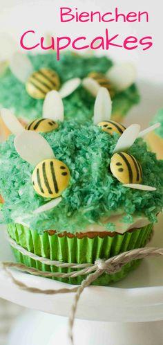 Auf meinem Blog zeige ich euch, wie ihr so süße Bienchen Cupcakes hinbekommt!   Kindergeburtstag, Backen Kinder, Lustige Cupcakes, Muffins, Sommer Rezepte, Smarties, Backen mit Schokolade, Lustiges Essen