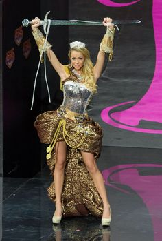 2013 Miss Universe National Costume Show (SWEDEN!)