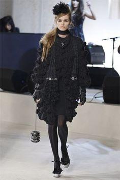 Chanel Pre-Fall 2008 Fashion Show - Edita Vilkeviciute