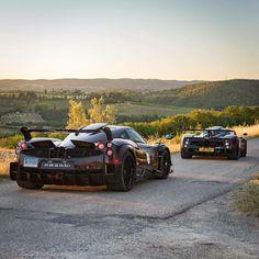 "61 Me gusta, 1 comentarios - Billionaires Attitude (@billionairesattitude) en Instagram: ""Two Italian cars in Tuscany. Very Italian """