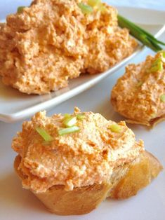 Hungarian Cottage Cheese Spread is a favorite in Hungary. Every household has a special way of making it. Main spices are ground caraway seeds and paprika. Croatian Recipes, Hungarian Recipes, Austrian Recipes, Cottage Cheese Dips, Appetizer Recipes, Dessert Recipes, Appetizers, Feta, Hungary Food
