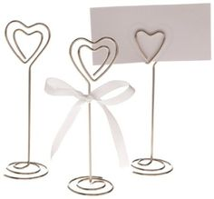 Handmade DIY Presents don't need to be complicated to be beautiful. - DIY and Crafts, Gifts, Handmade Ideias - DIY and Crafts Ideias Wire Picture Holders, Photo Holders, Wire Crafts, Diy And Crafts, Wire Hanger Crafts, Art Fil, Card Table Wedding, Ideias Diy, Craft Corner