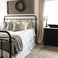 Good Cost-Free Farmhouse Bedding joanna gaines Concepts Farmhouse style bedding has a certain feel to it. Light, clean , crisp, neutral and rustic are just Farmhouse Style Bedding, Modern Farmhouse Bedroom, Farmhouse Decor, Vintage Farmhouse, Farmhouse Design, Modern Bedroom, White Farmhouse, Country Decor, Vintage Kitchen