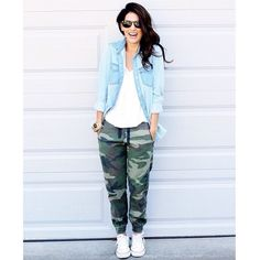 """Fell so in love with these @aritzia camo joggers, I """"hunted"""" down all my fall camo favourites... @liketoknow.it www.liketk.it/sYVy #liketkit"""