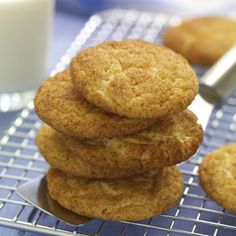 snickerdoodles: These classic cookies are crisp on the outside and chewy on the inside and full of cinnamon flavor. Just Desserts, Delicious Desserts, Yummy Food, Fun Food, Key Lime, Nutella, Cookie Recipes, Dessert Recipes, Cookie Ideas