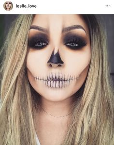 Leslie_Love - Makeup Looks Yellow Soirée Halloween, Cute Halloween Makeup, Halloween Inspo, Halloween Costumes, Vintage Halloween, Dead Makeup, Skull Makeup, Fantasy Makeup, Costume Makeup