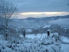 Winters uitzicht vanuit mijn vaders huis in Po, gelegen in Toscane.
