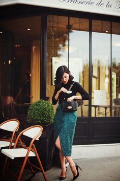 Prim and Proper: Nicole Warne Gary Pepper Girl in Paris Gary Pepper Girl, Work Fashion, Fashion Outfits, Fashion Tips, Fashion Trends, Classic Fashion, French Fashion Bloggers, Ladies Fashion, Classic Style