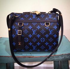 Louis Vuitton Handbags 2017 New Collection Big Discount Love Louis Vuitton  Outlet From Here It Is Best Choice As A Friend Gift. b59091a1b1