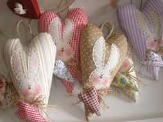 Bunnies sewn on hearts. Easter Projects, Easter Crafts, Hoppy Easter, Easter Bunny, Rabbit Crafts, Fabric Hearts, Heart Crafts, Easter Activities, Crewel Embroidery