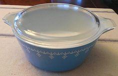 Vintage 1970's Pyrex Blue Snowflake 2 1/2 Quart Casserole Baking Dish w/ Clear Lid Pyrex http://www.amazon.com/dp/B016IBDBFK/ref=cm_sw_r_pi_dp_WMcowb0NS4ZTB