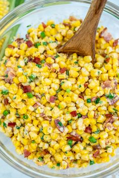 Crack Corn Salad is crunchy, creamy, sweet, sour, and savory all at the same time! Make this quick side dish for your cookouts this summer! #corn #cornsalad #saladrecipes #bacon #sweetandsavorymeals