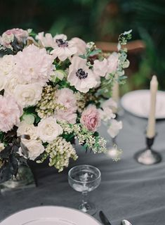 Romantic floral centerpiece | Melanie Gabrielle Photography | see more on: http://burnettsboards.com/2014/05/enchanting-ballerina-themed-wedding/