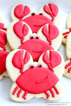 Crab Cookies - a fun tutorial for making this crab cookies - perfect for a summer BBQ party!