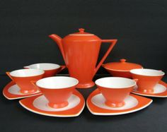 Atomic Art Deco Coffee Service for 4: Salem Tricorne / Streamline Coffeepot, Cups, Saucers, Cream & Sugar Set