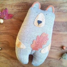 Bears Cute Crafts, Felt Crafts, Fabric Crafts, Sewing Toys, Sewing Crafts, Sewing Projects, Fabric Toys, Felt Fabric, Softies