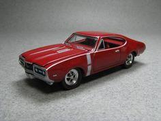 Johnny Lightning | ... ://www.toycollector.com/gallery/cars-olds/Johnny_Lightning_68_442.jpg