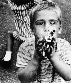 William Klein :: Gun, New York, 1955