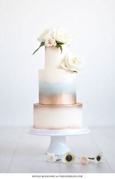 One of the hottest wedding cake trends are stunning metallic cakes - think gold wedding cakes, silver, pewter and bronze - these works of art will wow your g. Metallic Cake, Metallic Wedding Cakes, Gold Cake, Elegant Wedding Cakes, Wedding Cake Designs, Wedding Cake Gold, Chic Wedding, Trendy Wedding, Macaroon Wedding Cakes