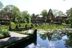 BALI: Puri Saren Palace