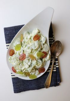 10 knallgode salater som passer perfekt til grillmaten! - LINDASTUHAUG Starters, Tapas, Serving Bowls, Grilling, Food And Drink, Appetizers, Baking, Tableware, Danish