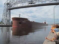 42N Observations: Largest Mega-Length Lake Freighter Delights Duluth, Minnesota Audience