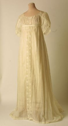 Dress 1805, Mde of muslin and cotton (Grecian Regency)