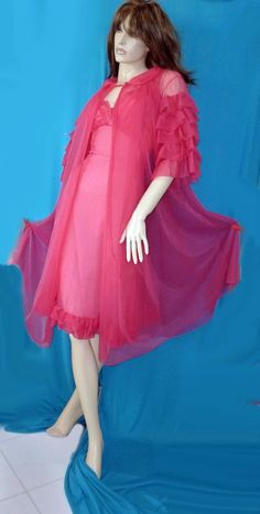 1950 GOTHAM GOLD STRIPE HOT PINK SHEER NYLON RUFFLED PEIGNOIR AND GOWN SET-34 #GothamGoldStripe #VintagePeignorSet