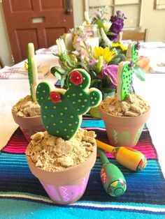 How to Throw a Fiesta Margarita Bar, Taco Bar, Tablescapes, Great Recipes, Cactus, Place Cards, Cookies, Desserts, Food