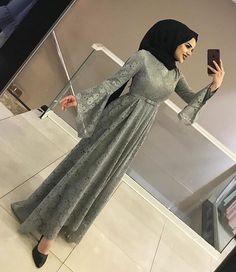 New Dress Designs Pakistani Casual 38 Ideas Hijab Prom Dress, Hijab Style Dress, Dress Brokat, Kebaya Dress, Abaya Fashion, Muslim Fashion, Fashion Outfits, Beautiful Hijab, Beautiful Dresses