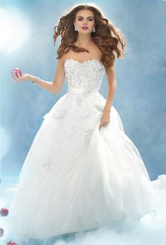 Brides: Disney Fairy Tale Weddings by Alfred Angelo :  207 Snow White