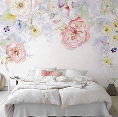 Wallapaper girls bedroom.