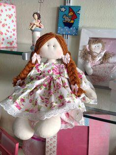 Boneca em tecido do curso da Millyta