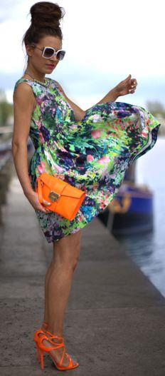 Zara Neon Floral Dress, ASOS Sunglasses, H Neon Necklace + Jimmy Choo Neon Orange Heels & Clutch (image: befrassy) Looks Street Style, Looks Style, Estilo Fashion, Look Fashion, Teen Fashion, Silk Floral Dress, Silk Dress, Style Casual, Mode Style