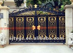 Home Gate Design, House Main Gates Design, Front Gate Design, Iron Fence Gate, Metal Gates, Wrought Iron Gates, House Front Gate, Front Gates, Entrance Gates